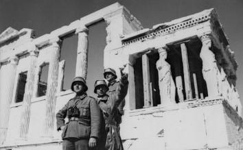 Γερμανοί στρατιώτες στο Ερέχθειο στην Ακρόπολη των Αθηνών