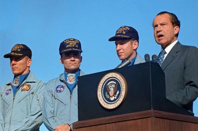Ο Πρόεδρος Νίξον προσφωνεί τους αστροναύτες του Apollo 13 μετά την ασφαλή τους επιστροφή