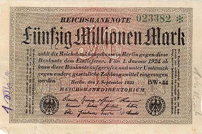 Χαρτονόμισμα 50 εκατομμυρίων μάρκων, 1η Σεπτεμβρίου 1923. Δύο μήνες μετά ο υπερπληθωρισμός κορυφωνόταν. Το 1914 θα ήταν ισότιμο με 12 εκατομμύρια δολάρια ΗΠΑ. Την ημέρα τύπωσης του άξιζε 1 δολάριο και λίγες μέρες ουσιαστικά τίποτα