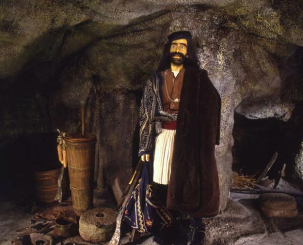 Κέρινο ομοίωμα Κλέφτη: Δημιουργία του Παύλου Βρέλλη
