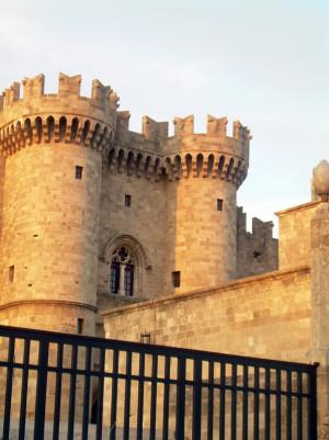 Το παλάτι του Μεγάλου Μαγίστρου (Εξωτερική άποψη του κτηρίου, προσωπικό αρχείο)