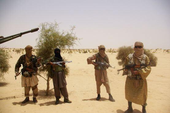 Ισλαμιστές αντάρτες οπλισμένοι με Καλάσνικοφ