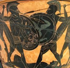 Συμπλοκή αρχαίων Έλληνων οπλιτών σε μελανόμορφο αγγείο
