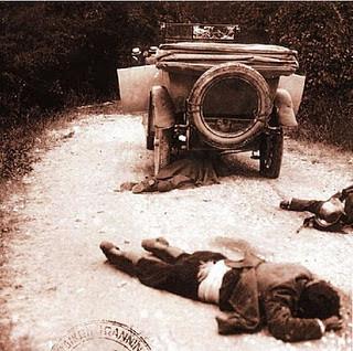 Η δολοφονία από αγνώστους δράστες (μάλλον Αλβανούς πράκτορες των Ιταλών) του στρατηγού Τελίνι και των συνεργατών του, στον δρόμο Κακαβιάς- Ιωαννίνων, έδωσε την αφορμή στον Μουσσολίνι για την προσωρινή κατάληψη της Κέρκυρας το 1923