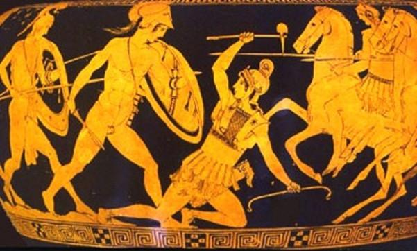 Μάχη Ελλήνων και Αμαζόνων σε αττικό αγγείο, οι τελευταίες διακρίνονται με ποικιλία οπλισμού μικτής προέλευσης